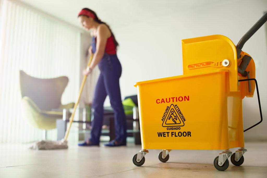 Los mejores trucos para aprender cómo limpiar un suelo porcelánico