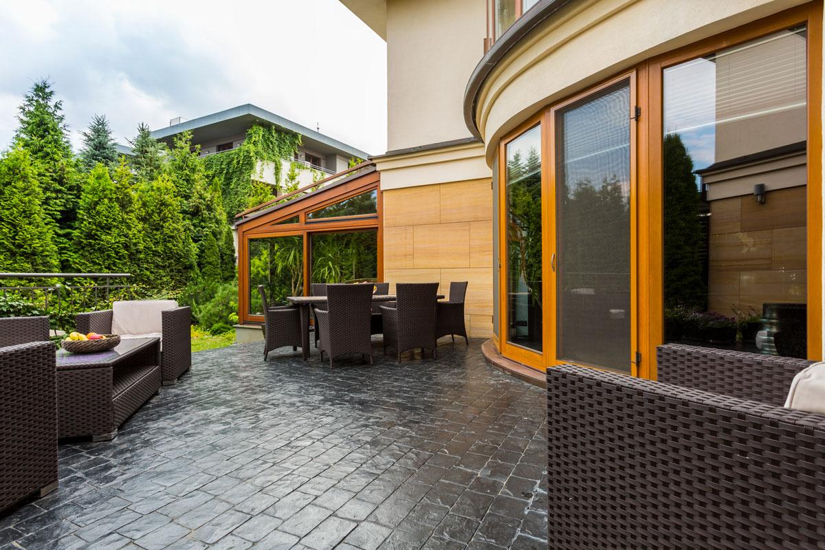 Qué debes saber antes de elegir suelos para terrazas